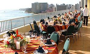 アストン ワイキキ ビーチ ホテルのレストラン