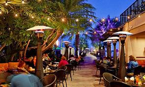 カタマラン リゾート ホテル アンド スパ 屋外レストラン