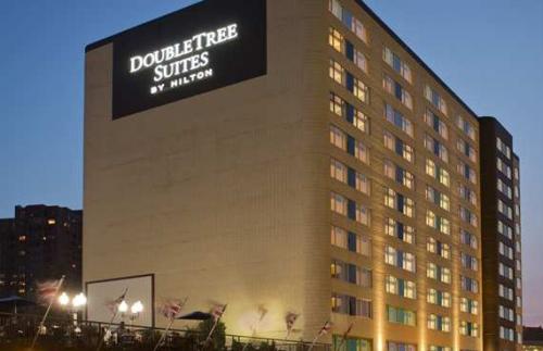 ダブルツリー スイーツ バイ ヒルトン ホテル ミネアポリス