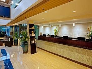 ダブルツリー バイ ヒルトン ホテル アラナ ワイキキ フロント