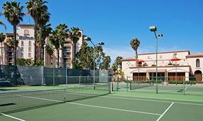 ヒルトン サンディエゴ リゾート & スパ テニスコート