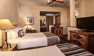 ホテル チマヨ デ サンタフェ ベッドルーム