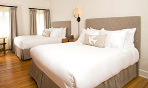 ホテル セント フランシス ベッドルーム