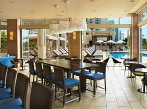 ハイアット リージェンシー ワイキキ ビーチ リゾート & スパ プールサイド