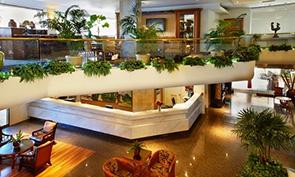 ルアナ ワイキキ ホテル & スイーツ