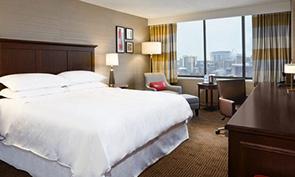 シェラトン フィラデルフィア ユニバーシティ シティ ホテル ベッドルーム