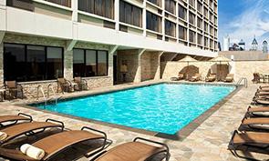 シェラトン フィラデルフィア ユニバーシティ シティ ホテル プール