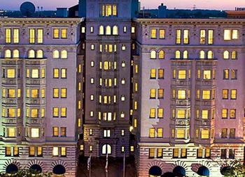 チャーチルヒル ホテル