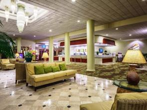 ワイキキ リゾート ホテル ロビー