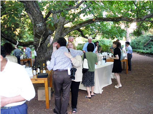 カリフォルニアワインカントリーの旅 ベリンジャーヴィンヤーズにて、野外試飲会&晩餐会