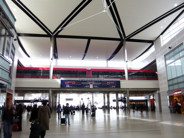 デトロイト空港レポート その1