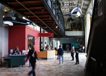 モントレーの水族館