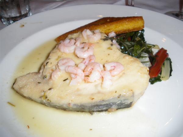 カリフォルニアワインカントリーの旅 こちらは、お魚料理(カジキマグロだったかな?)です。