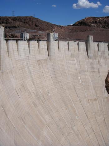 全米一のダム。フーバーダム