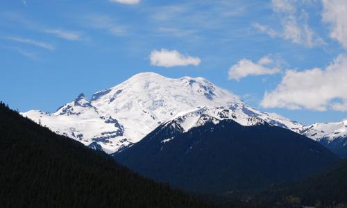 レーニア山の山頂が見えた
