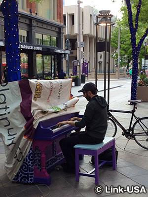 16thストリートモールのピアノ