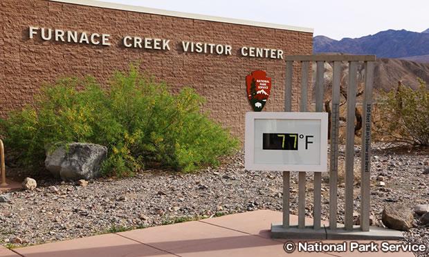 ファーニスクリーク ビジター センター