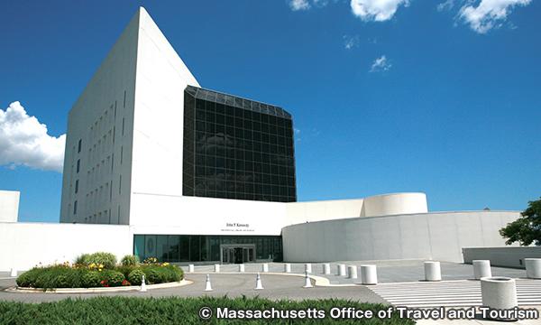 ジョン・F・ケネディ・ライブラリー John F. Kennedy Presidential Library & Museum