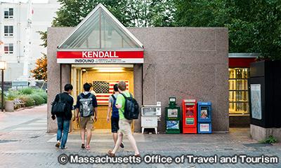 地下鉄レッドライン ケンドール/MIT Kendall/MIT駅