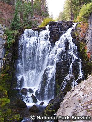 キングス クリーク滝 トレイル Kings Creek Falls Trail