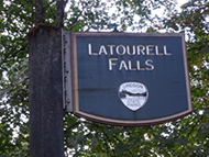 ラトゥーレル滝 Latourell Falls
