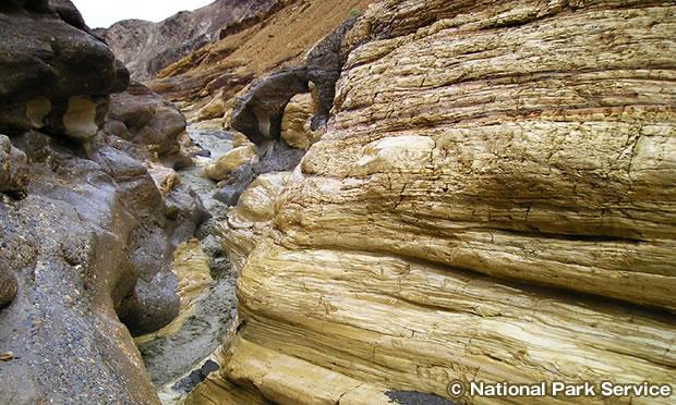 モザイク キャニオン Mosaic Canyon