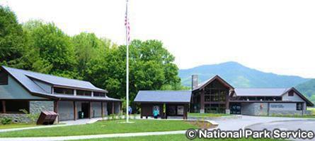 オコナルフティー・ビジターセンター Oconaluftee Visitor Center