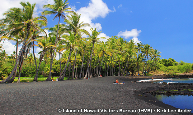 プナルウ黒砂海岸 Punaluu Black Sand Beach