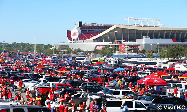 テイルゲーティング Tailgating at Arrowhead Stadium