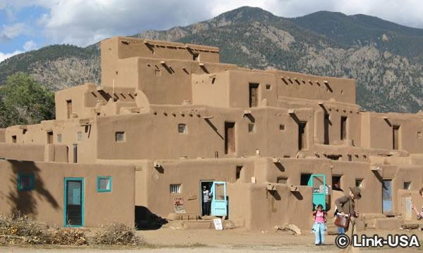 世界遺産 タオス・プエブロ(Taos Pueblo)