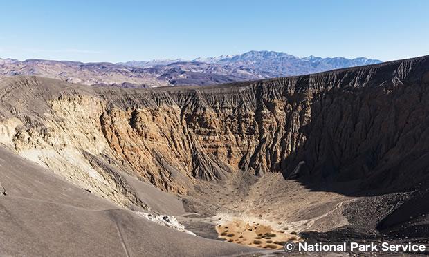 ウベヘベ クレーター Ubehebe Crater