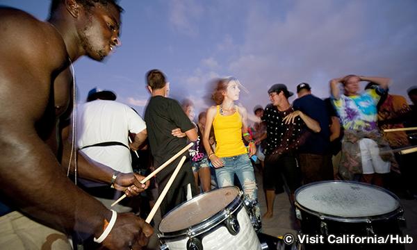 ベニスビーチ ドラム サークル Venice Beach Drum Circle
