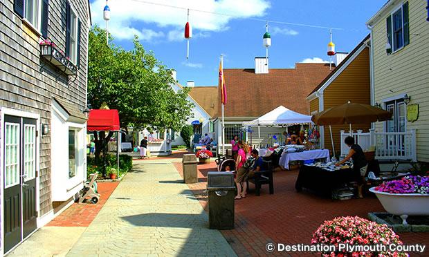ビレッジ・ランディング・マーケットプレイス Village Landing Marketplace