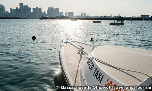 水上タクシー Water Taxi