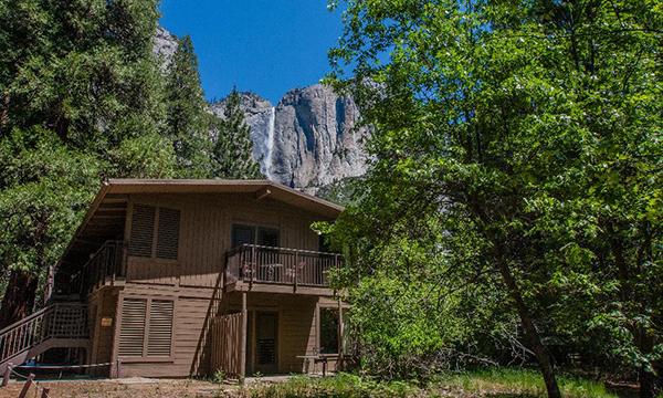ヨセミテ・ロッジ Yosemite Lodge