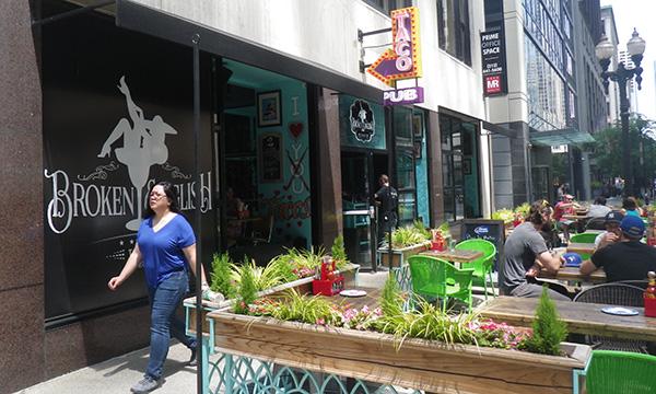 ザ・ループ シカゴのダウンタウン Broken English Taco Pub