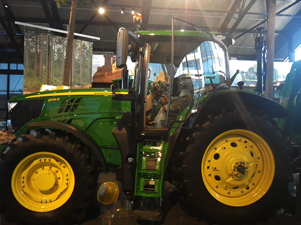 6155R Tractor