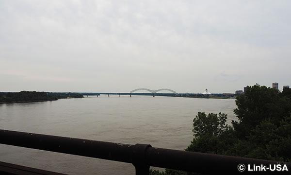 テネシー州とアーカンソー州の州境