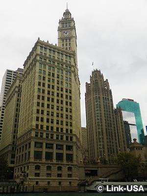 トリビューン・タワー と リグレー・ビルディング