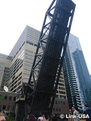 シカゴ&ノースウエスタン 鉄道橋 Chicago & Northwestern Railway Bridge