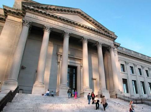 美術館、博物館通り パークウエイ・ミュージアム地区