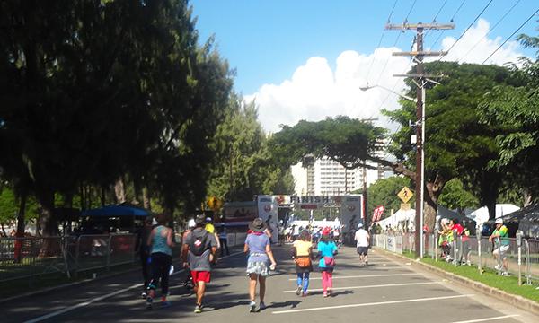 ホノルルマラソン ゴールゲート