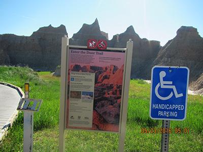 バッドランズ国立公園 ドアトレイル
