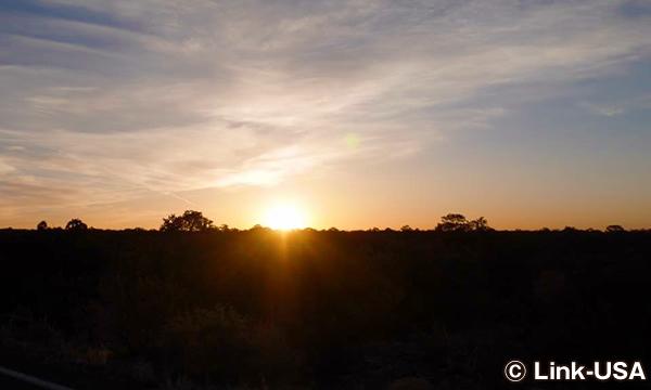 朝日を見ながらアンテロープキャニオンへ出発!