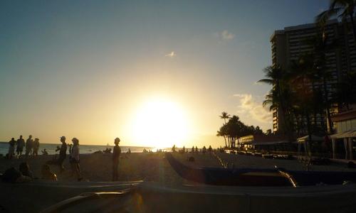 ワイキキビーチを散歩